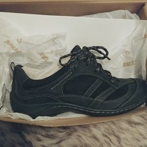 NWT Earth brand shoes